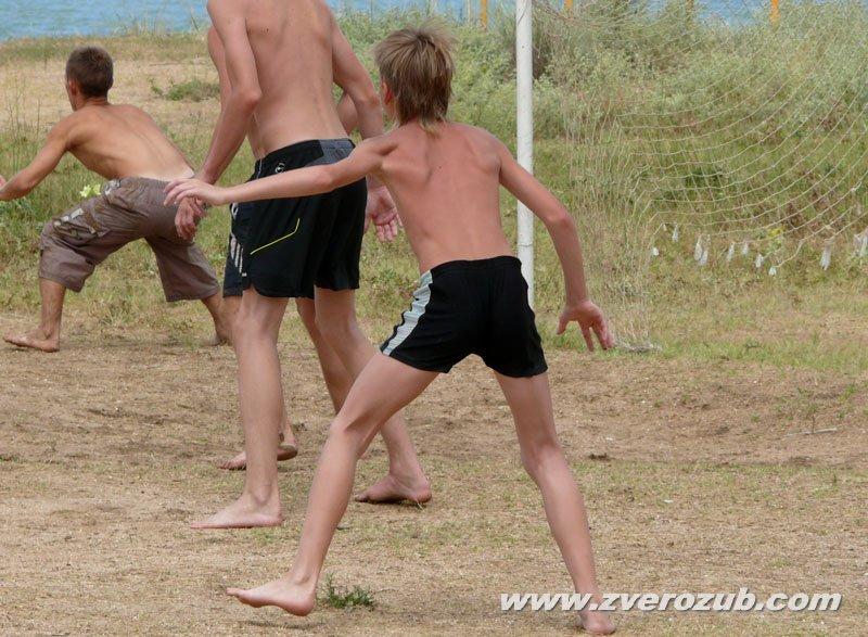 Американский пляжный футбол в Крыму: правила и турнир