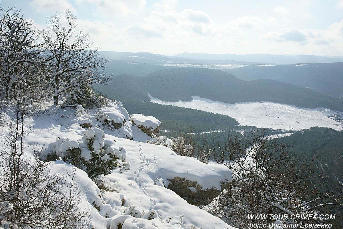 Скоро Крым засыплет снегом.  Доставайте теплые шарфы и варежки.