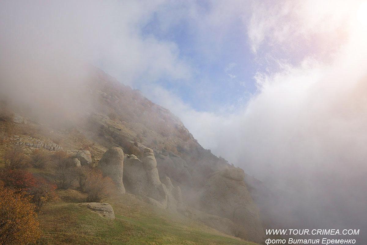 Осень в Крыму - удивительно время! Живописные облака и туманы.