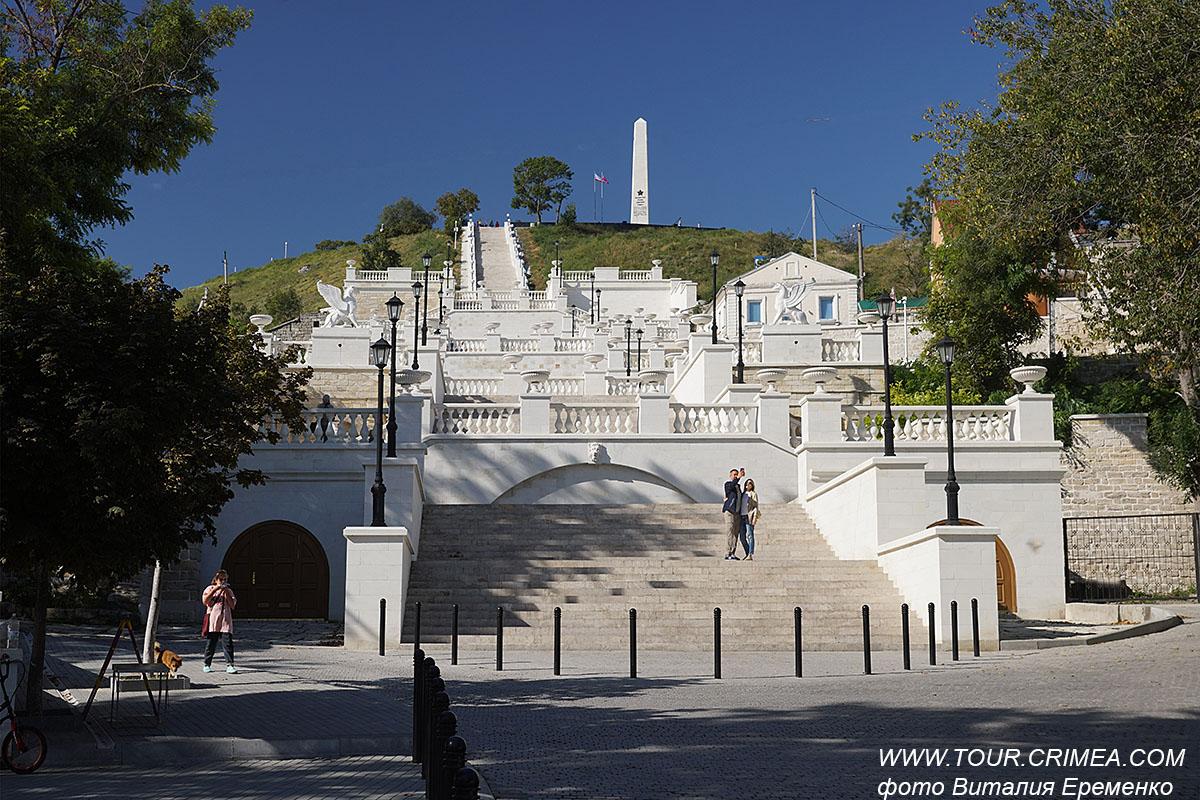 Большая Митридатская лестница в г.Керчь  после реконструкции.