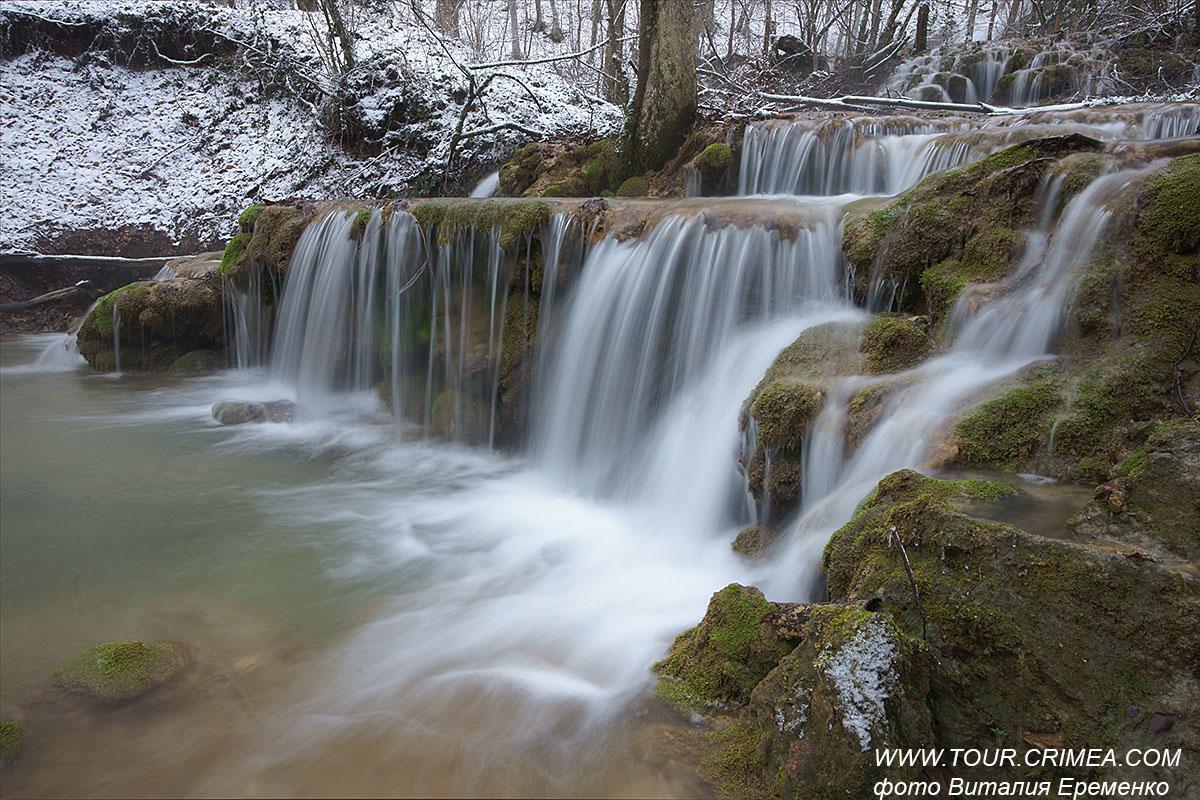Зимние каскады на реке Сары-Узень.