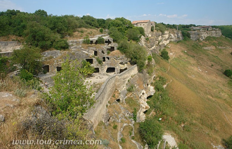 Отдых в Крыму. Чуфут-кале пещерный город