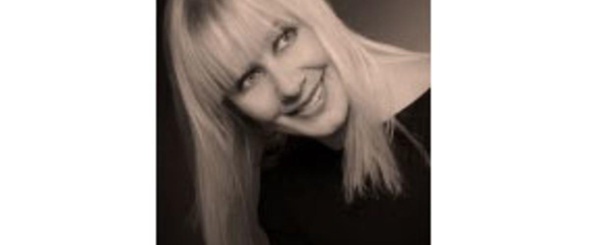 11 февраля 1966 г. родилась Татьяна Владимировна Бурнакина - заслуженная артистка Автономной Республики Крым.