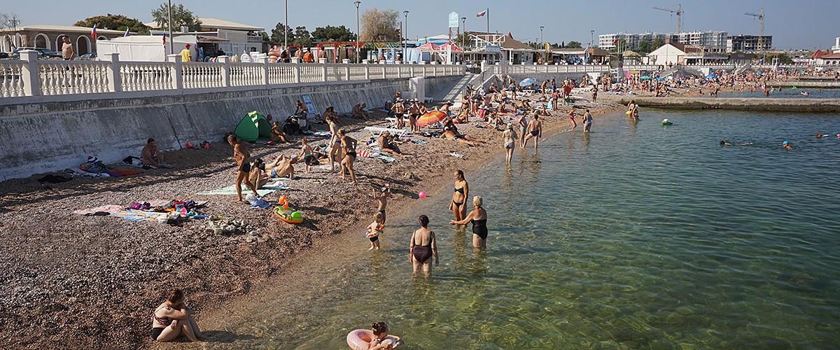 Пляж Парк Победы в Севастополе.